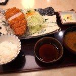 かつ辰 - 和牛もち豚厚切りサーロインかつ定食1940円