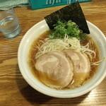 上海麺館 - 豚そば ¥700