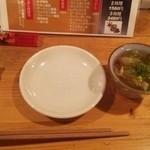 田中んち - お通しの一口鍋(?)と箸置き代わりのうまい棒(笑)