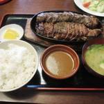 かつ亭 - ステーキ定食(5L550g)2780円