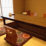 豆菜 板前割烹 入星 - 入星には個室も数部屋あります。掘りごたつは床暖房です。2014.12.16撮影