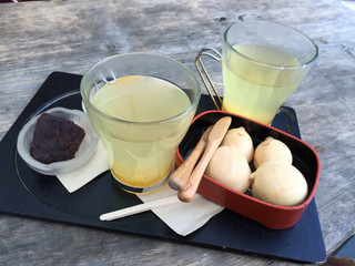 NARAYA CAFE - 柚子茶とならやん(あずきと栗あん)