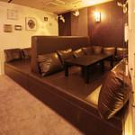 AJITO - ちょっと大人の巨大ソファー席も☆
