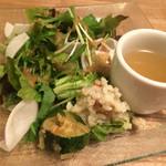チアーズ - 鶏のからあげランチ(¥850)のサラダ・スープ