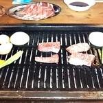 カウベル - 卓上の焼肉など