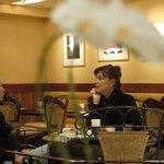 カフェ・カトル・ヴァン・ヌフ - ゆったりとした時間の中、一杯のコーヒーで気持ちが和む。