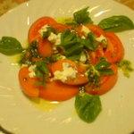 アンジェロ - トマトとバジルのサラダ