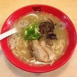 博多新風 - 白豚骨ラーメン(680円)