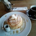 33528402 - バターミルクパンケーキ&コーヒー