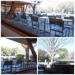 パークサイドカフェ - 暖かい日はテラス席もいいですね。