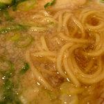 ラーメン専門店 きて屋 - 背脂醤油スープと麺の雰囲気