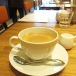 パティスリー アンド カフェ デリーモ - コーヒー