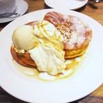 パティスリー アンド カフェ デリーモ - シュクレ+バニラアイス