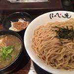 らーめん ほっぺ家 - つけめん大盛(800+100円)&ミニ鶏そぼろ飯(サービス)