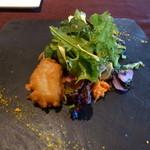 33533389 - 旬野菜とカキのベニエのサラダ