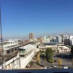 王府井 - 店内からの眺め。今日もいい天気