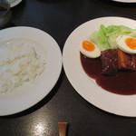 モデスティ - 自分は豚肩ロースのやわらか煮。ご飯と共に。