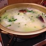 金龍 - 鶏白湯豆腐鍋 一人前