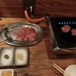 マルタケ鶏店 - ヒネ380円とレバー280円。焼き焼きして「ポン酢、柚子胡椒、昆布塩」で、頂きます。