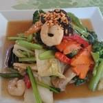 チョムパイ - 2014/12/05・12:10 パット・パック・ルアム・ミット       (野菜のオイスターソース炒め)