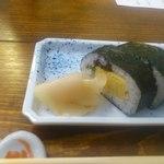 33542446 - 撮影NG前に撮った巻き寿司