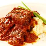 グーラッシュ(フリウリ風牛ホホ肉とパプリカのトマト煮込み)