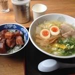 ラーメン河 - 塩ラーメン(700円)+まぐろ丼(500円)