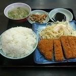 福々亭 - とんかつ定食ご飯大盛り 390円(ランチタイム価格)