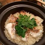 Naminoya - 鯛めし!出汁のきいたご飯とパリッと皮が焼かれた鯛は最高の組み合わせでした。