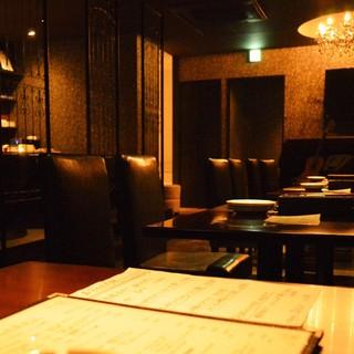 ◆シックでムーディーな雰囲気の大人のカジュアル隠れ家です。
