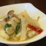 33554207 - 牡蠣と鱈、大根ピクルスのサンラー春雨煮