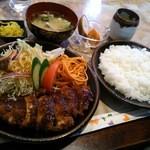喫茶トラヤ - 料理写真:チキンカツ定食