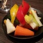 33557762 - いろいろ野菜のピクルス(345円)です。
