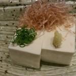 ロバタ 鮮 - 冷奴(350円)