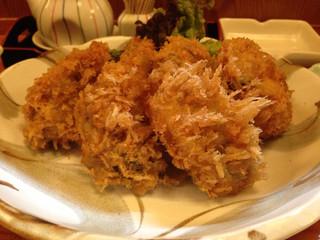 京町 - 絶品牡蠣フライ
