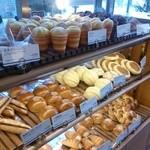 DONQ - 柔らかい系のパンが多い