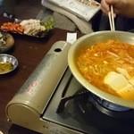 冷麺館 大国町店 - てっちゃん鍋