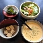 西洋食房 芝 - H.26.12.18.昼 おまかせランチ 1,750円の一品・スープ・サラダ・漬物