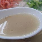 天舟 - スープは、淡白~っ。脂と塩分控えめで、ダイエッターや小さな子供にもオススメです♪