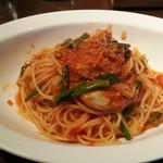 Enotolia - 「牡蠣とベーコン、ほうれん草のトマトソース」