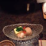 33582434 - 酒菜(たまご豆腐・里芋・エビ)上品な炊き合わせ