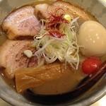 麺や高倉二条 - 煮卵チャーシューラーメン 大盛 定番麺