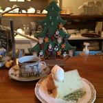 カフェ・ブレス・ミー - クリスマスブレンドとシフォンケーキと