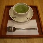 山口妙香園 - 抹茶フォンダンショコラ:抹茶のチョコソースが中に入っています。