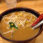 ラーメン大桜 - 料理写真:ラーメン並670円+みそ味100円
