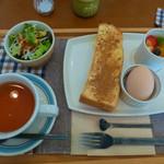 あおくまカフェ - モーニングセット(紅茶とシナモントースト)
