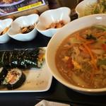 明洞 - 韓国手巻きランチ、韓国ラーメン