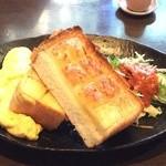 ククル - ふわふわ玉子と厚切りトースト