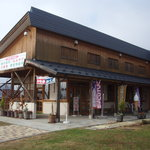 道の駅花の駅千曲川 - 見かけは道の駅の軽食店だけど