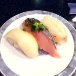 回転鮨清次郎 - 料理写真:今日の市場で ...(ぼたん海老、あじ、するめいか